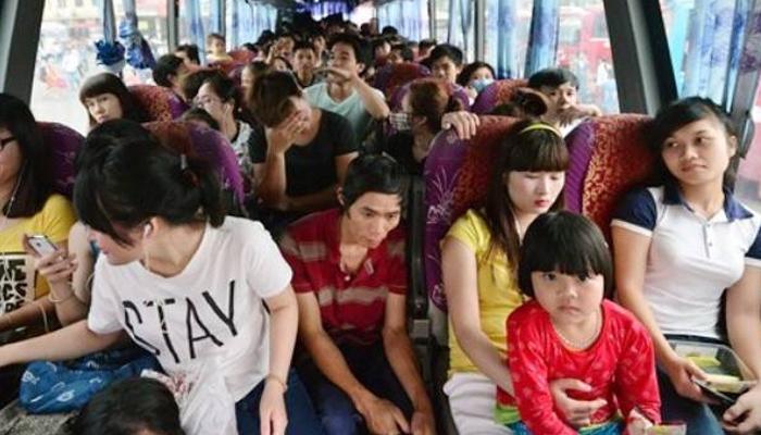 베트남 귀성길 버스 풍경