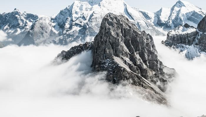 마음이 청량해지는 눈덮인 산~