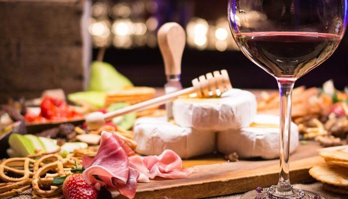 소량의 와인은 건강에 좋다네요~