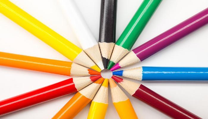 색연필로 어릴적에 그림 많이 그리셨죠?