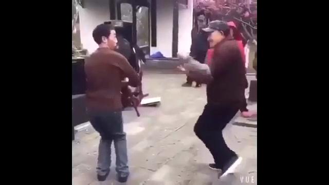 중국아저씨 유머댄스
